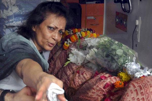 Chitra at Jagjit's Funeral – Jagjit & Chitra Singh